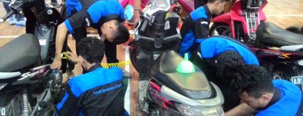 """Siswa SMKN 3 Yogyakarta Ikuti Training """"Siswa Terampil Mekanik"""" Yang Digelar PT Pertamina Retail"""
