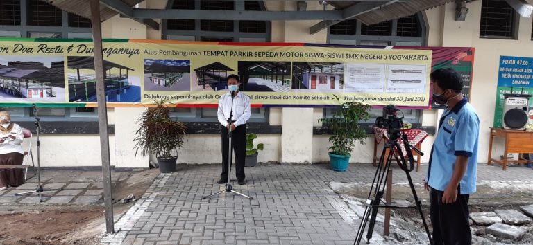 Pembangunan Tempat Parkir Motor Siswa SMK N 3 Yogyakarta
