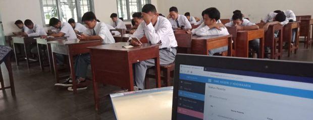 SMK Negeri 3 Yogyakarta Adakan PAS Berbasis TEROID