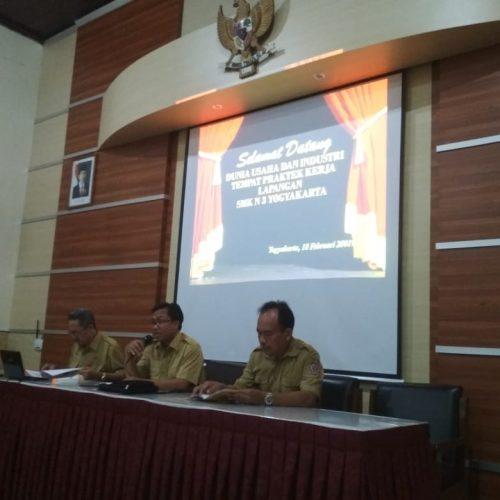 Struktur Organisasi Jasa Desain Bangunan: SMK N 3 Jogja Adakan Temu DUDI