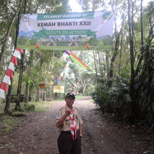 Struktur Organisasi Jasa Desain Bangunan: SMK Negeri 3 Yogyakarta Adakan Kemah Bhakti XXII